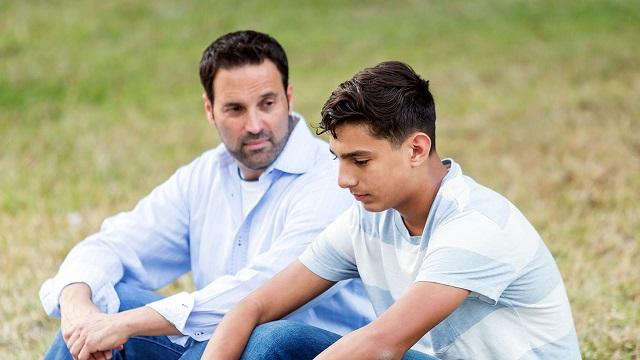 حمایت از فرزند نوجوان در زمان افسردگی